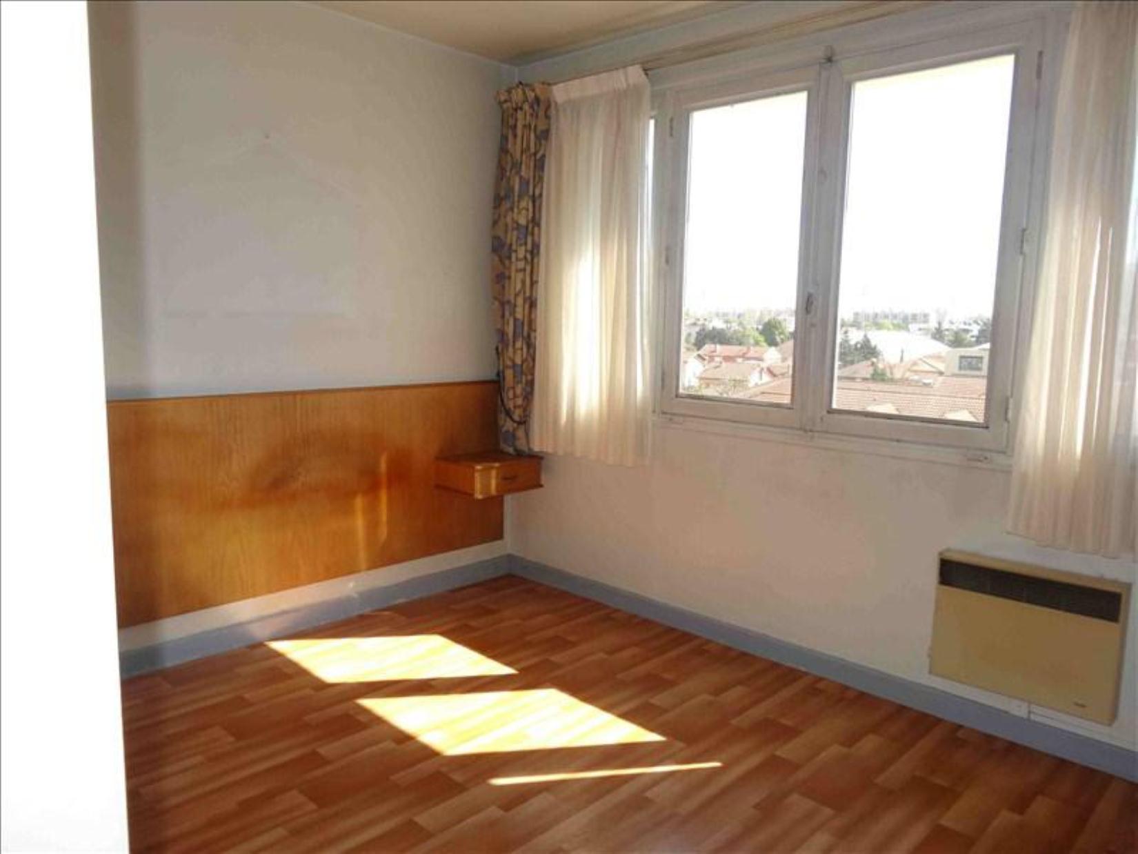 achat appartement villeurbanne 68m 4 pi ces slci espace immobilier achat et vente. Black Bedroom Furniture Sets. Home Design Ideas